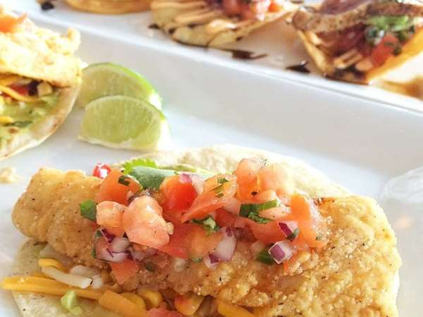 plate of fish tacos